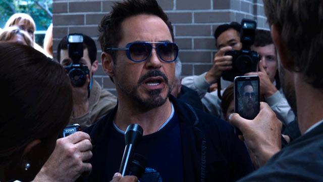 《钢铁侠3》(Iron Man 3)最新片段 托尼·斯塔克对满大人隔空喊话